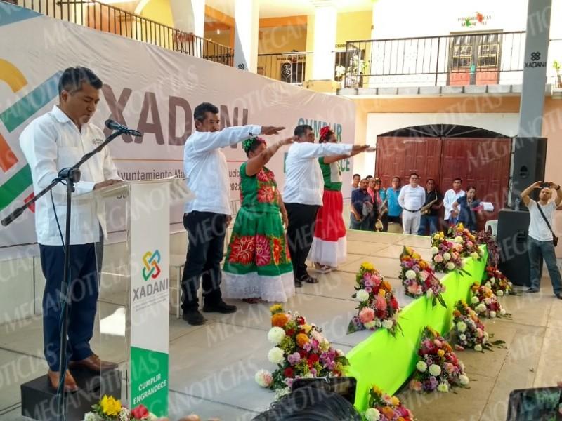 Toma protesta el Cabildo de Santa María Xadani