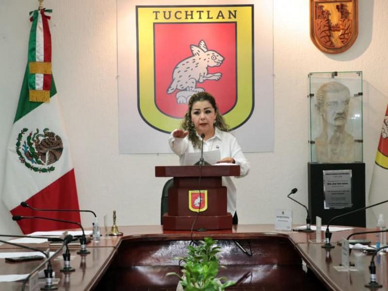 Toma protesta Karla Burguete como alcaldesa interina de Tuxtla