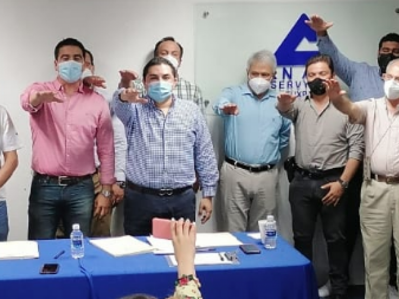 Toma protesta nueva directiva de la CANACO Tuxpan