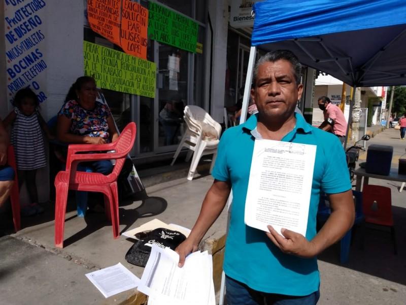 Toman sucursal del Banco Bienestar en Juchitán