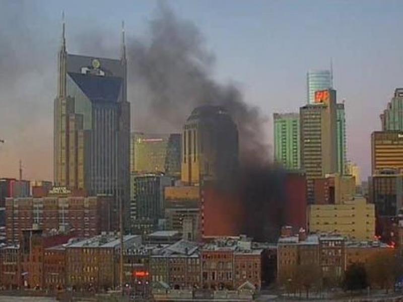 Toque de queda en Nashville tras explosión