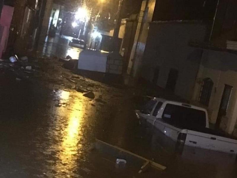 Tormenta deja inundaciones en Ixtlán del Río