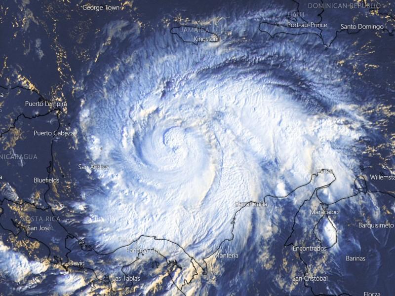 Tormenta tropical Iota amenaza con convertirse en huracán categoría 4