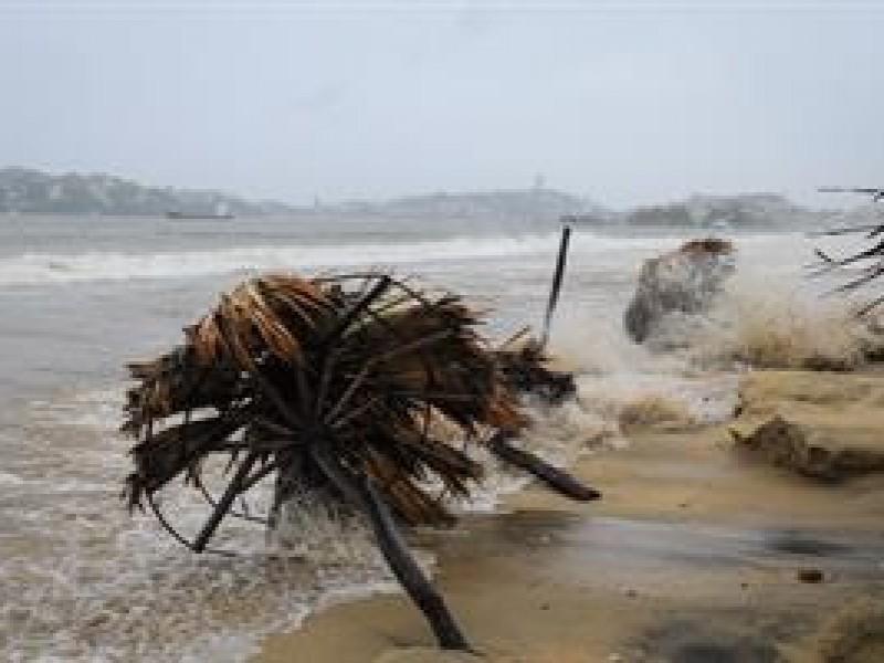 Tormenta tropical Nora podría convertirse en huracán.
