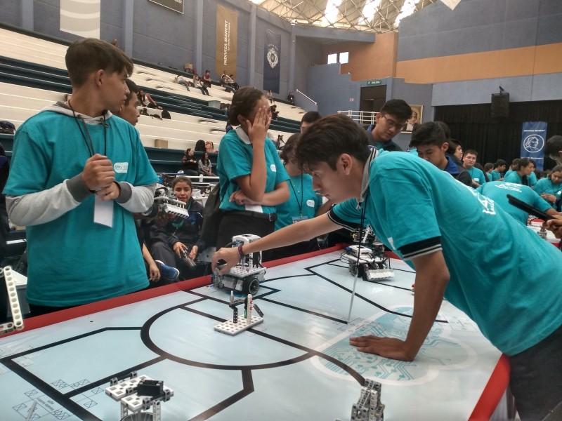 Torneos de robótica impulsan la innovación y tecnología