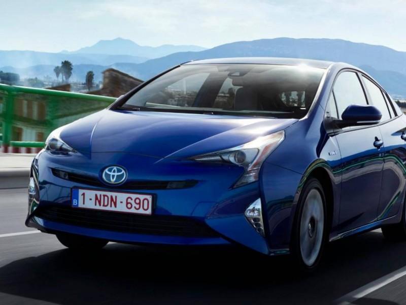 Toyota revisará 2.4 millones de coches híbridos