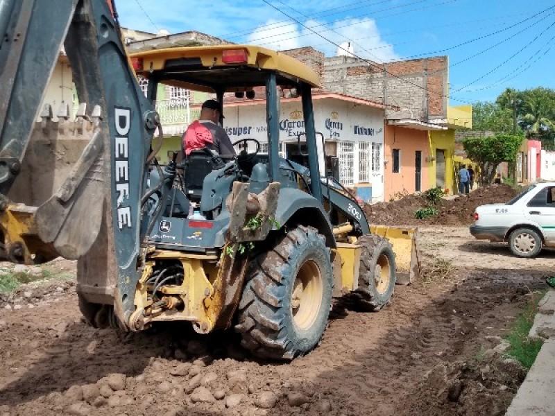 Trabaja Ayuntamiento de Tuxpan en rehabilitación de calles