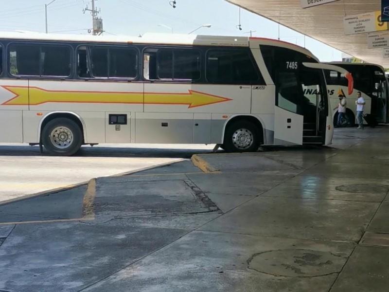 Trabaja central de autobuses a 25% de capacidad