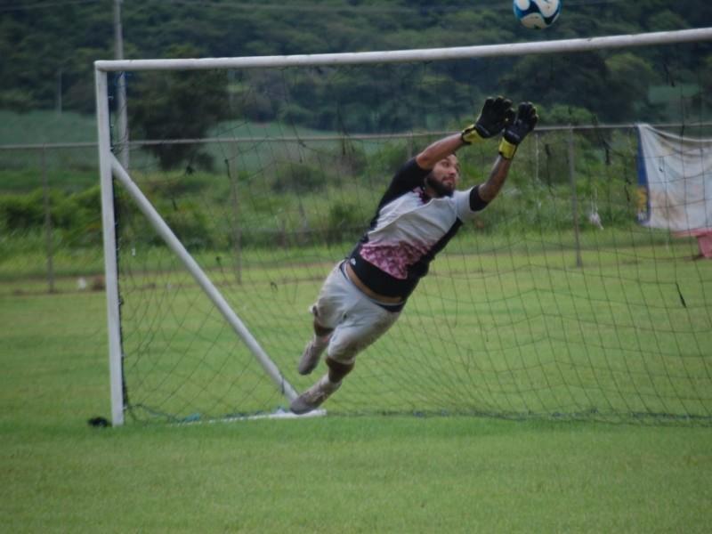 Trabaja Coras FC para definir a su portero titular