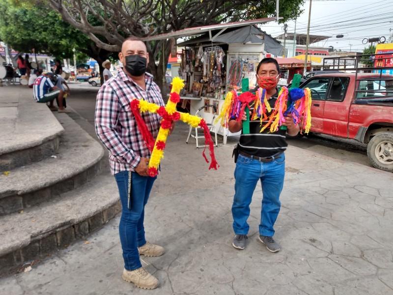 Trabajadores de la construcción celebran a la Santa Cruz