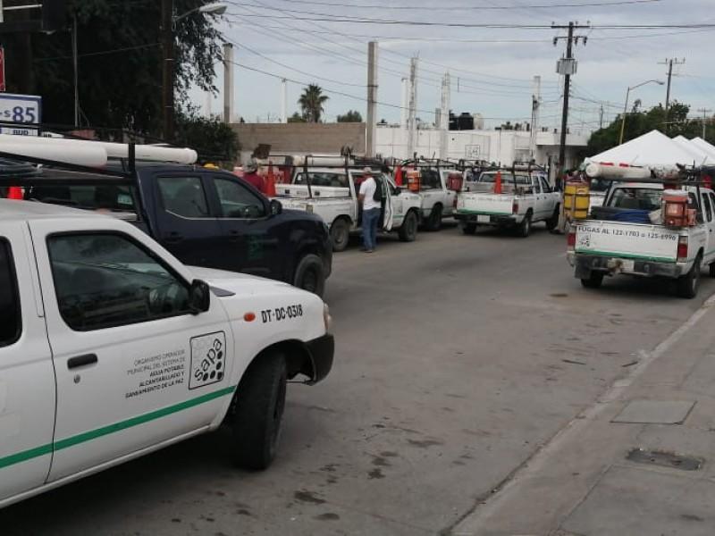 Trabajadores de OOMSAPAS cierran vialidades