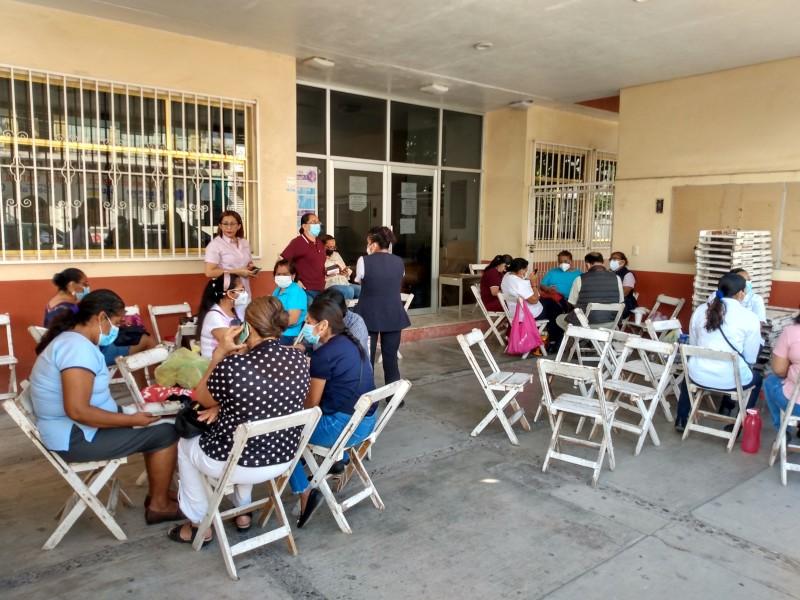Trabajadores de salud paran labores en Juchitán