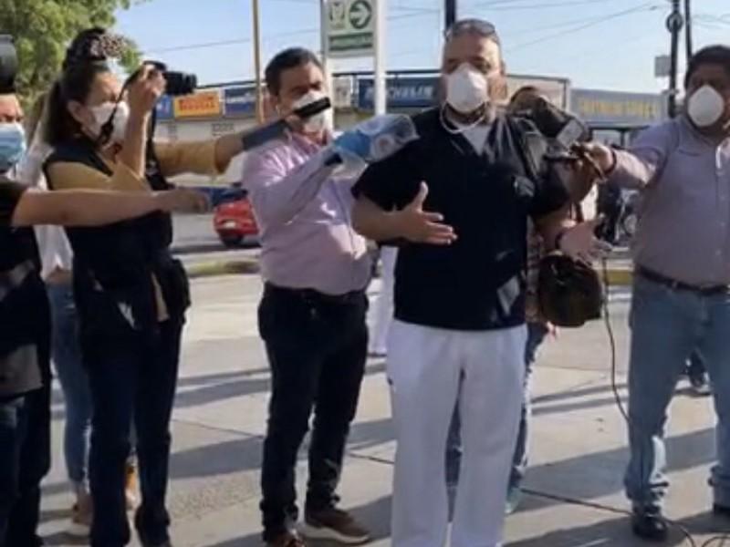 Trabajadores del IMSS en Monclova protestan tras muerte de médico