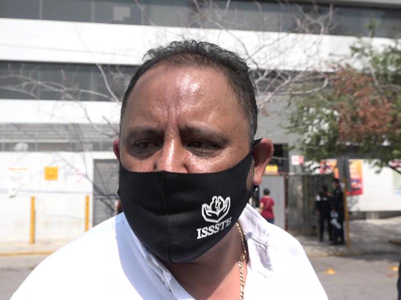 Trabajadores del ISSSTE exigen destitución del director del Hospital General