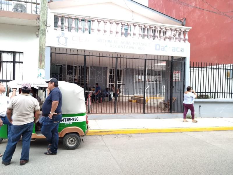 Trabajadores del SAP de Juchitán paran labores