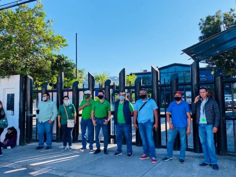Trabajadores del SUTSEM toman oficinas de SIAPA