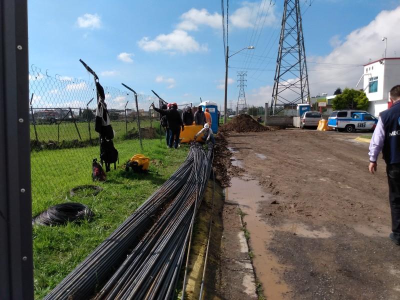 Trabajadores reanudan labores en Calle Enriqueta pese a trifulca