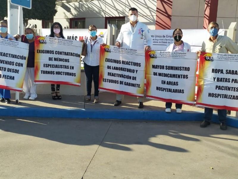 Trabajadores sindicalizados de Isssteson se manifiestan inconformes