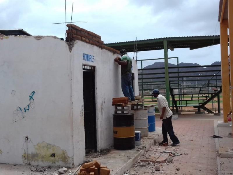 Trabajan en mejoramiento de UDM Julio Alfonso Alfonso