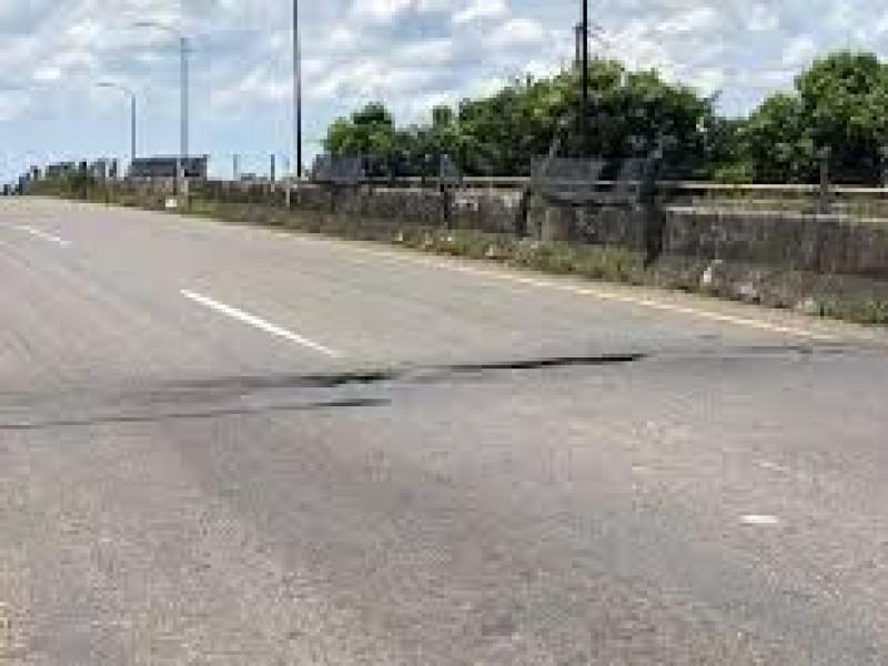 Trabajan en rehabilitación carretera en Chiapas