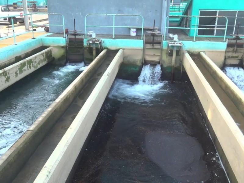 Trabajan para reparar daños que mantienen sin agua a 49-colonias
