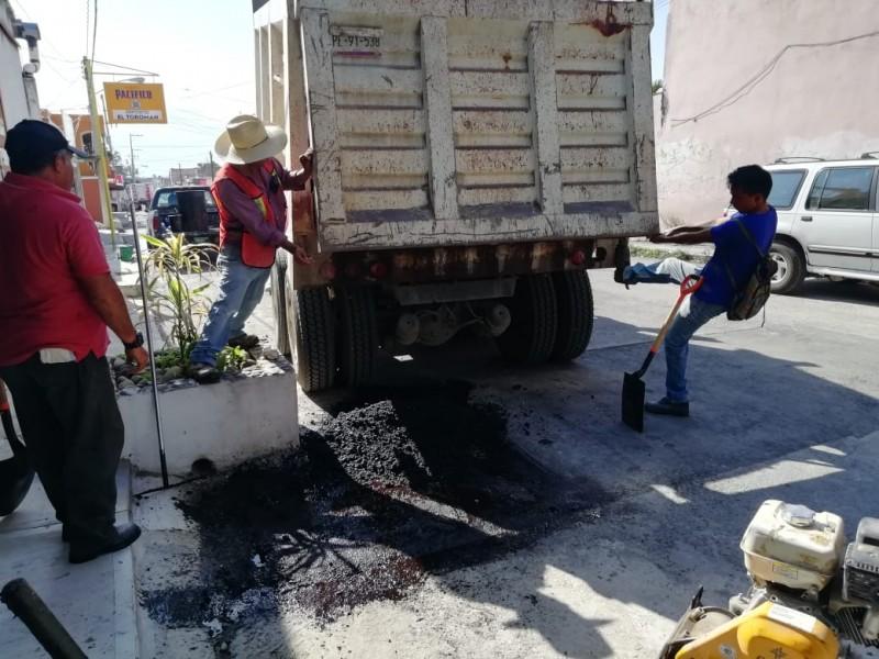 Trabajos de bacheo en Xalisco se ralentizan por lluvias