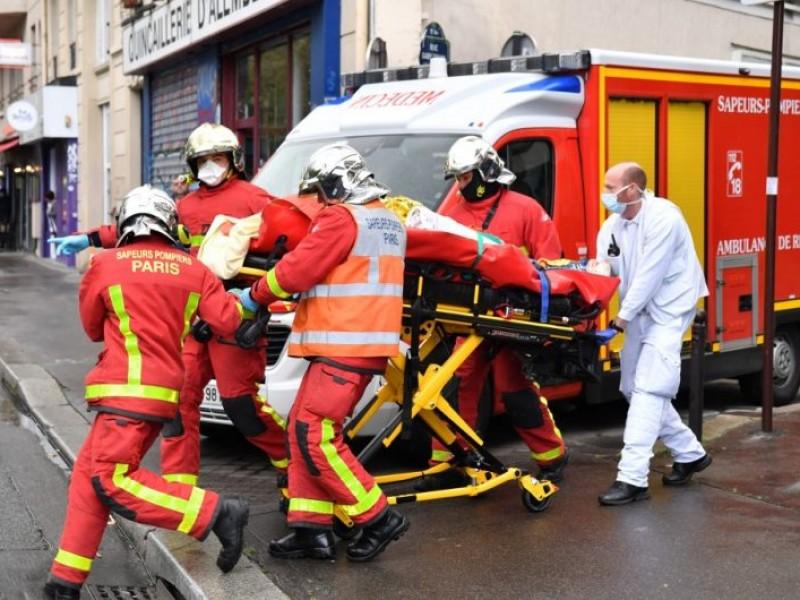 Tragedia en París: 2 heridos graves por ataque con cuchillo