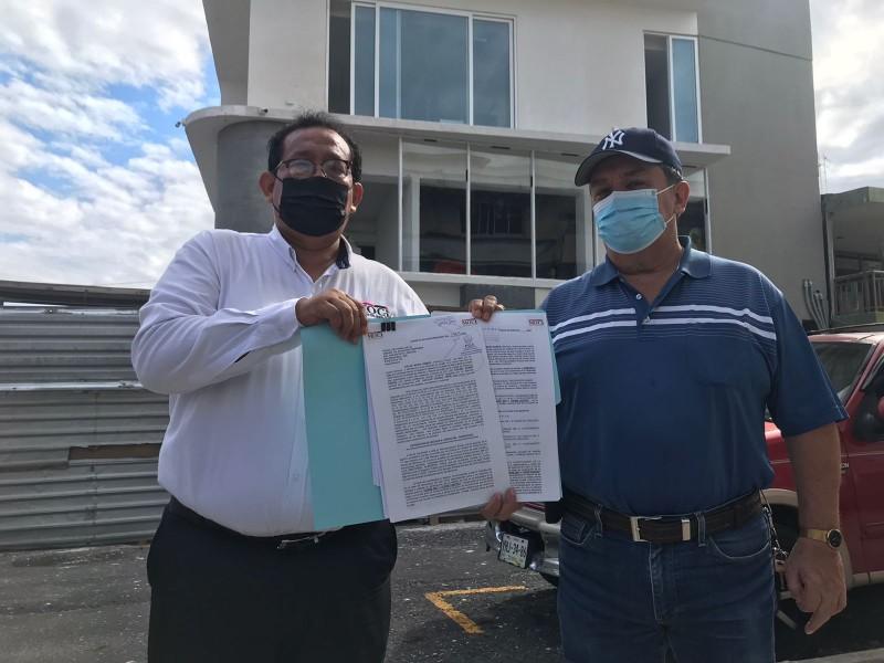 Tramita amparo y pone denuncia en Fiscalía Anticorrupción