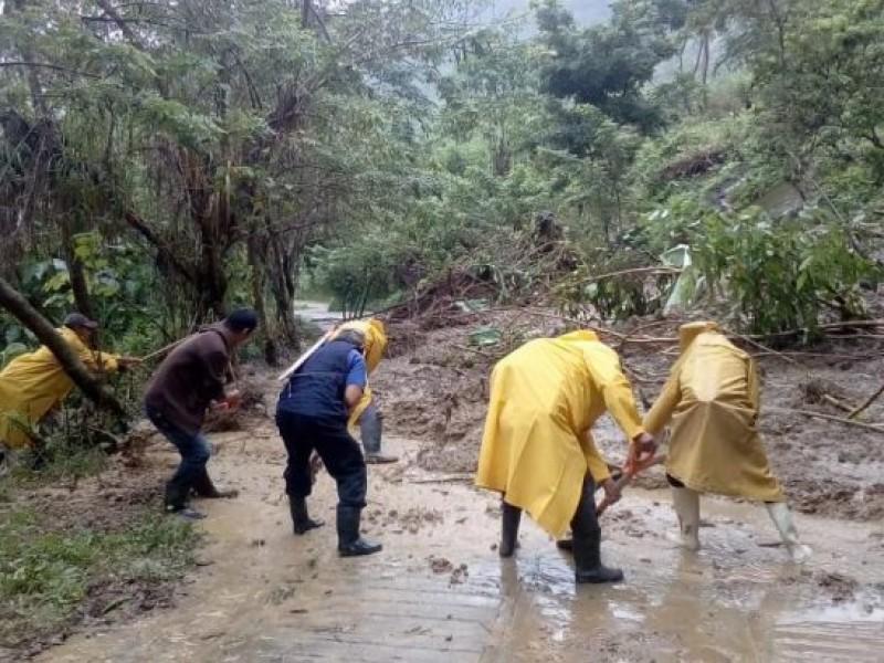 Tramos carreteros en Tecpatán son rehabilitados luego de lluvias