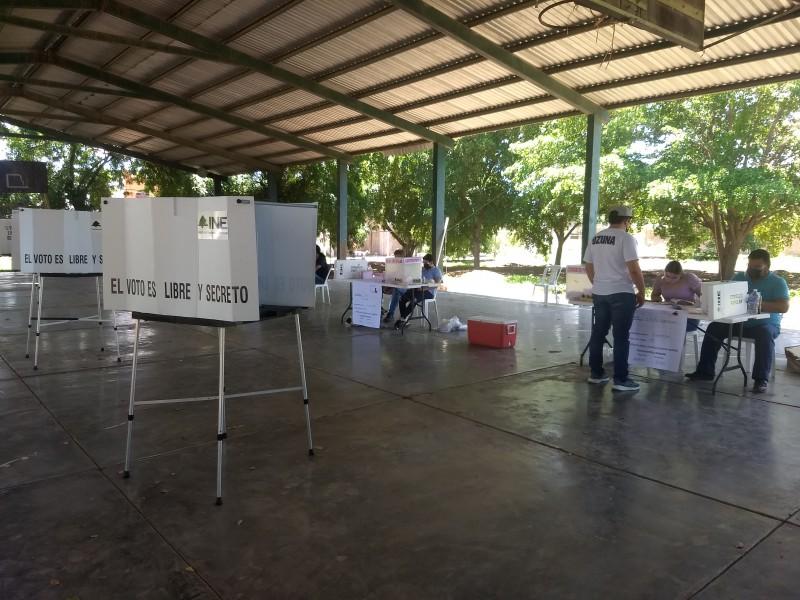 Tranquilo y sin inconvenientes arranca consulta popular en Guasave