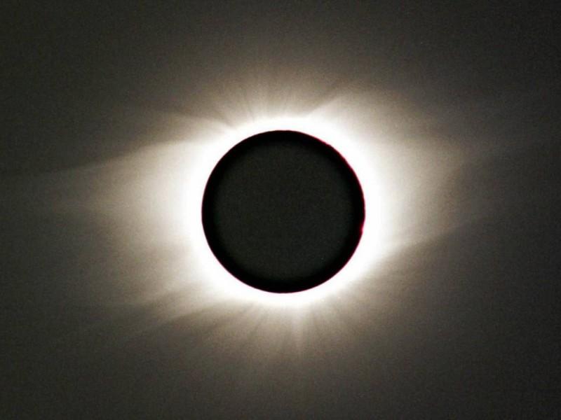 Transcurre el último eclipse total de Sol del año