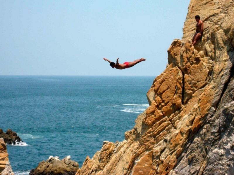 Transmitirán clavados de La Quebrada de Acapulco por Facebook Live