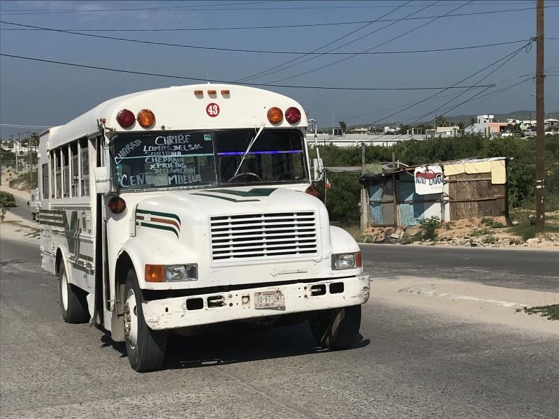 Transporte público suspende becas y descuento a estudiantes