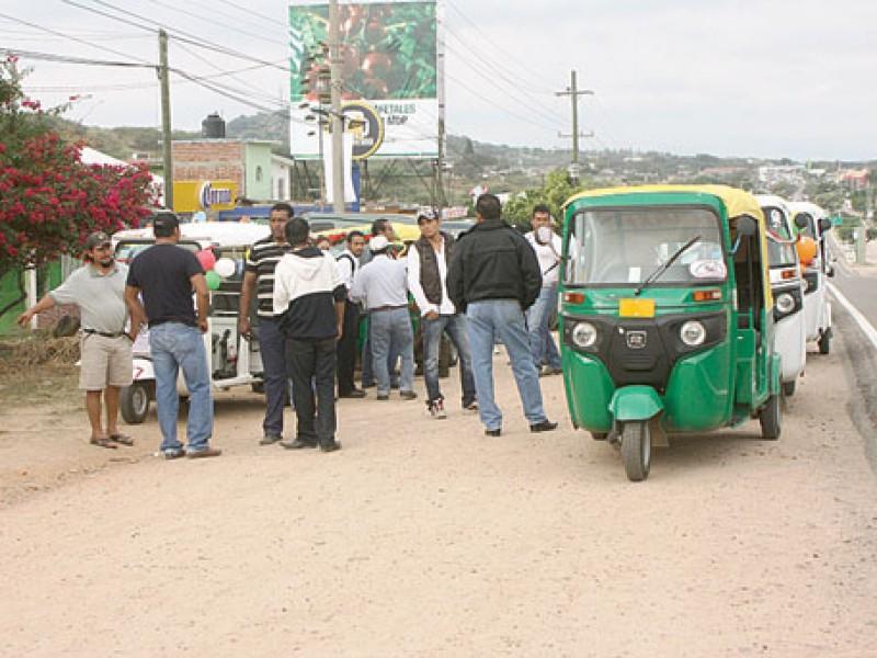 Transportistas concesionados en Cintalapa exigen salida de mototaxis