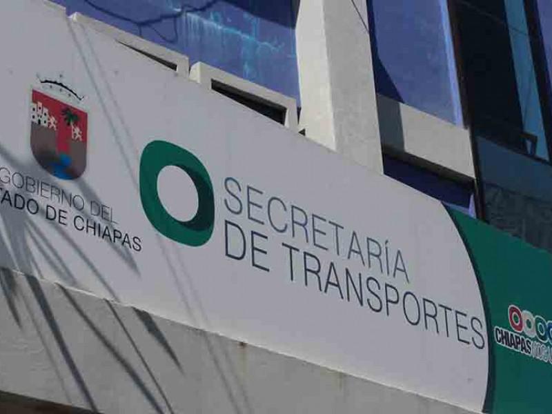 Transportistas denuncian corrupción al interior de la SMyT