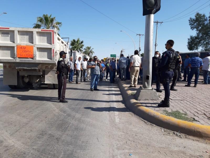 Transportistas denuncian ser víctimas de extorsión por la CATEM