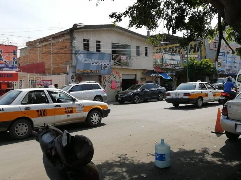 Transportistas regulares en doble desventaja durante pandemia