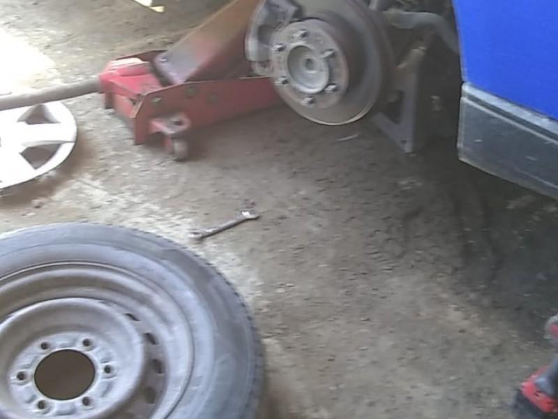 Transportistas reportan daños por deplorable condición de carretera Zihuatanejo-Lázaro Cárdenas