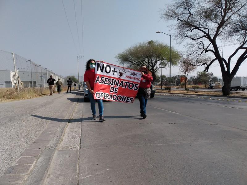 Transportistas se manifiestan en León para exigir trabajo y seguridad
