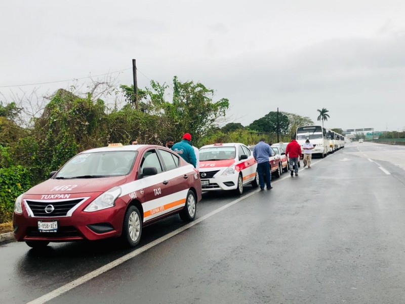 Transportistas Tuxpeños se suman a paro nacional