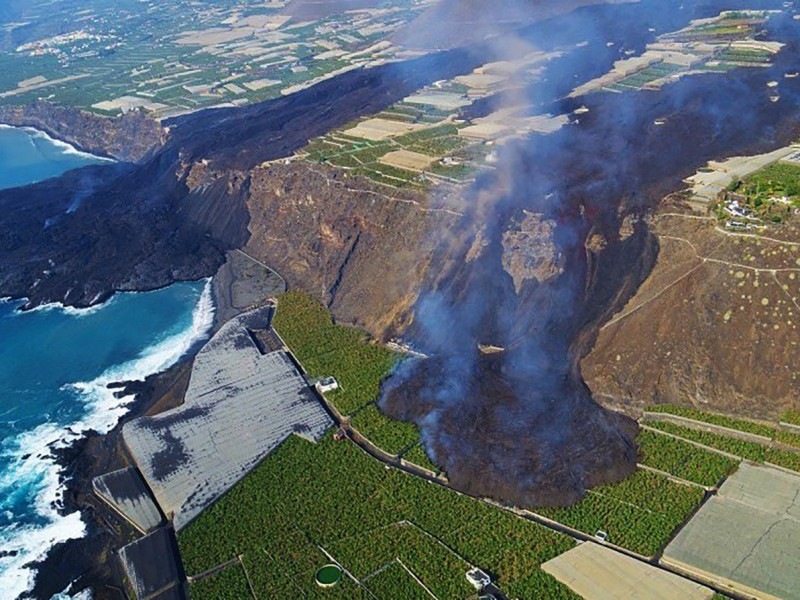 Tras 18 días de erupción, fuerte sismo sacude La Palma