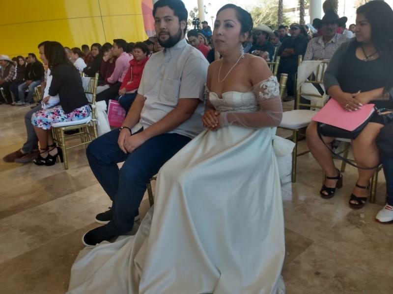 Tras cinco años de relación y dos hijos, contraen matrimonio