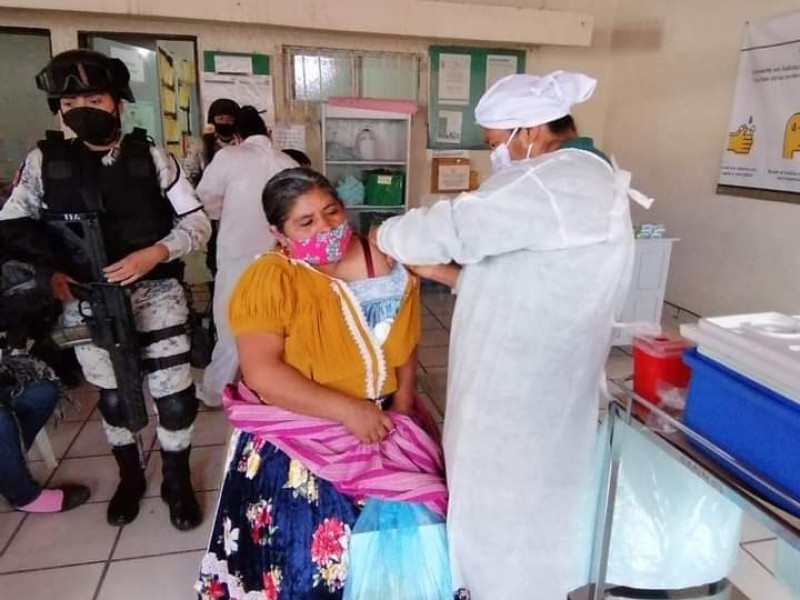 Tras descontrol en vacunación de Uruapan, gestionan jornada para comunidades