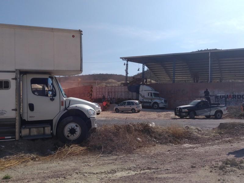 Tras enfrentamiento, federales recuperan camión robado