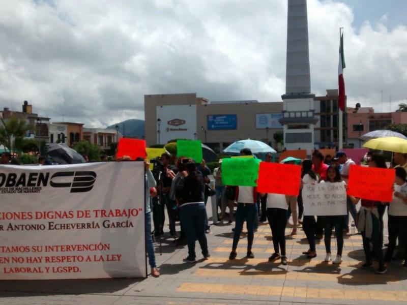 Tras huelga, se manifestan docentes del COBAEN