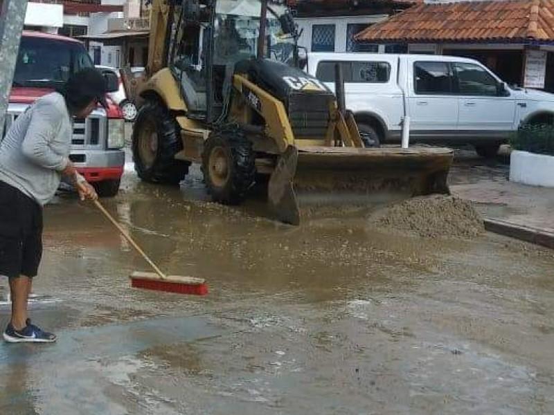 Tras lluvias, comienzan labores de limpieza