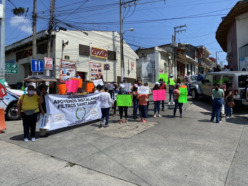 Tras manifestación, comerciantes lograron reducción de cierres viales en Xalapa