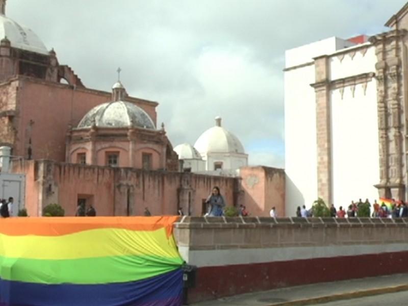 Tras manifestación, matrimonio igualitario sigue sin dictaminarse