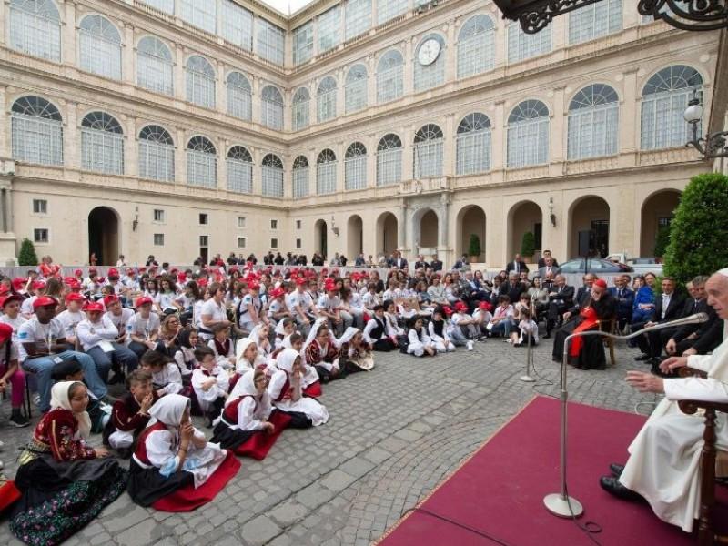 Tras seis meses de confinamiento, el Papa retoma las audiencias