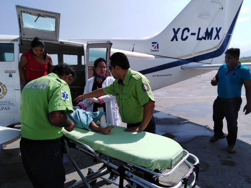 Trasladan en ambulancias aéreas a pacientes de Chiapas